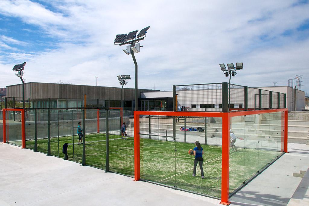 Pistas de p del club raqueta valladolid for Pista de padel individual