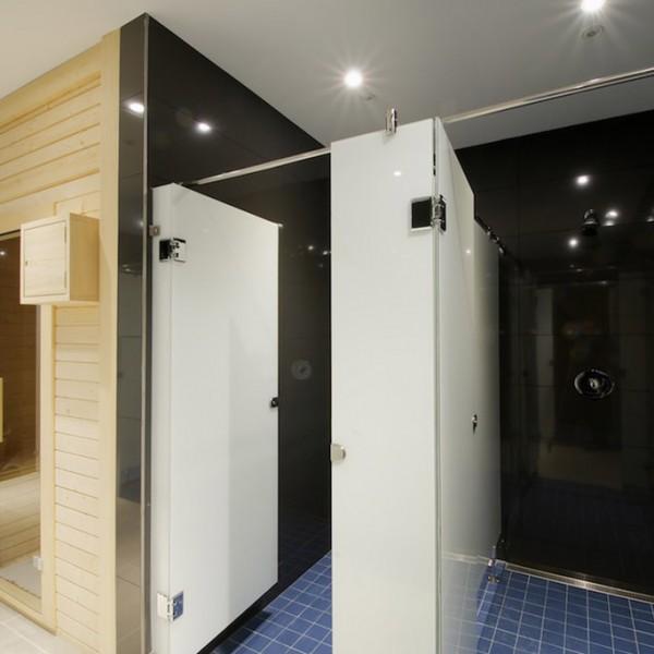 Sauna y duchas